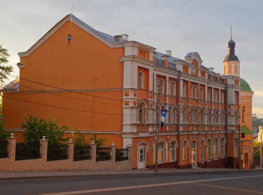 Semenov  Sovetskaja, 8